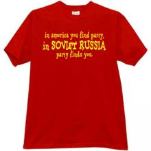 In America you find party... Funny T-shirt in red