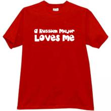 A RUSSIAN MAJOR LOVES ME Cool T-shirt in red